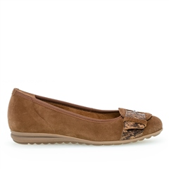 Gabor Buckle Detail Animal Print Flat Shoes - Cognac