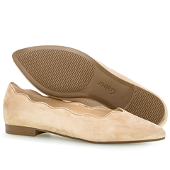 Gabor Scallop Edge Suede Pumps - Caramel