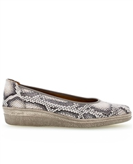 Gabor Snakeprint Pumps