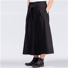 Oska 'Udina' Virgin Wool/Linen Wide Leg Culottes - Black