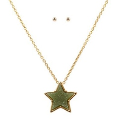Hill & How Delicate Druzy Star Necklace Set - Olive