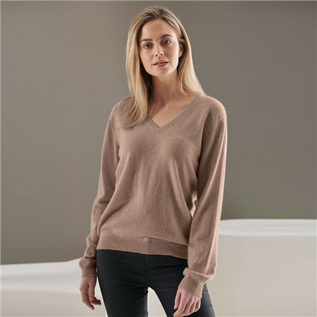 Brodie 100% Cashmere Classic V-Neck Jumper - Organic Light Brown  - Click to view a larger image